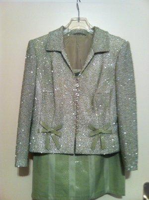 NEW! MASSKONFEKTION , eleganter Anzug,   Blazer mit Glasperlen besetzt  + Rock , GR=38