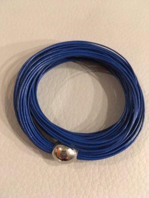 NEW ONE Armband mit Magnetschließe und dünnen feinen Lederbändern