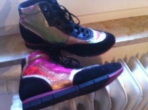 NEW! Tolle Sneakers (Leder & Kunststoff metallisch)