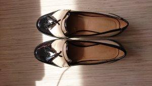 Next schwarz und Creme loafers Größe 37