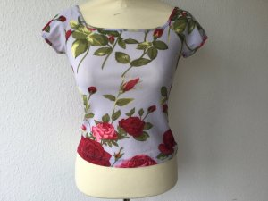 Nice Connection Shirt/Top in Flieder mit roten Rosen, Gr. S, TOP Zustand, NP 69,00