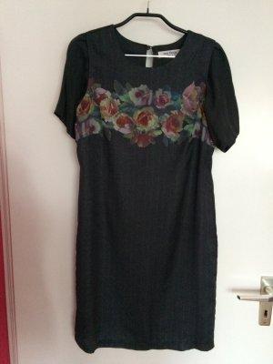 Nice things grau-grünes Kleid mit Blumendruck