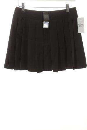 Nicowa Surjupe noir style universitaire