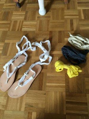 Nie getragene Flipflop Sandalen mit verschieden Schnüren