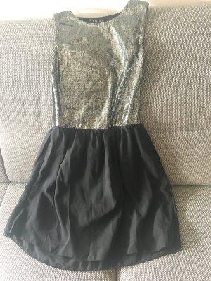Nie getragenes Amisu Kleid