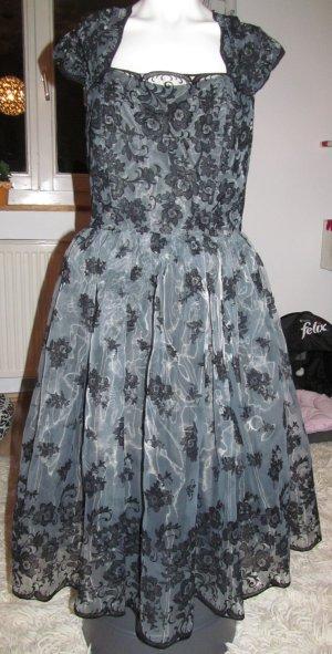 Nie getragenes elegantes Kleid