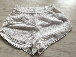 Niedliche Hot Pants in weiß