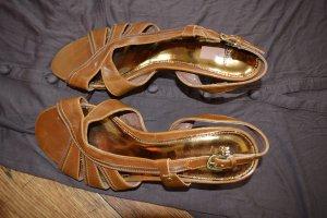 Niedliche Sandaletten rehbraun/ dunkelbraun Gr.39 Mexx Neuwertig