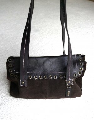 Niedliche Tasche von Esprit, Wildleder mit langen Trägern und Nieten