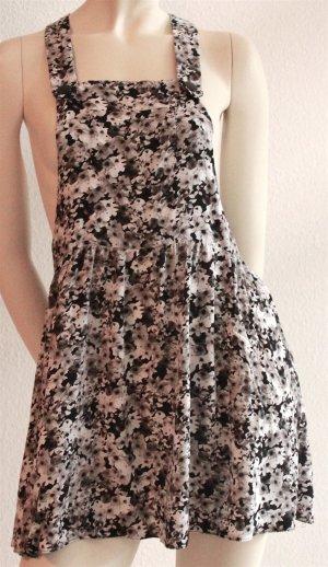 Niedliches Florales Latz-Kleid