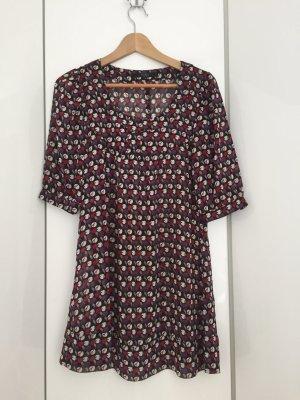 niedliches Kleid
