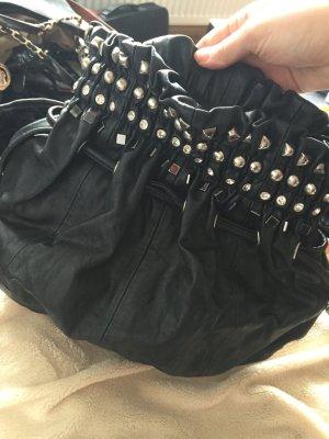 Nieten Handtasche in schwarz