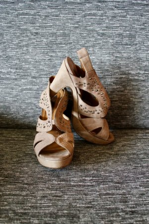 Nieten Pumps / Sandalletten / High Heels / Leder