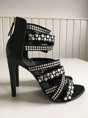 Nieten-Sandaletten von Zara