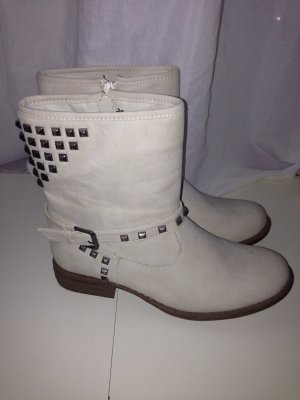 Boots cream