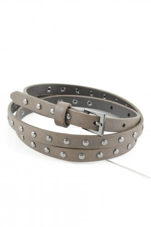 Cinturón de pinchos marrón grisáceo estilo country
