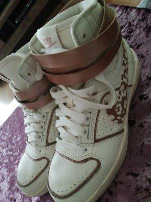 Nike High Top Sneaker white-brown