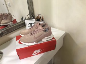 Nike Sneaker stringata rosa antico