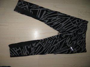 Nike 3/4 Sporthose Gr.M