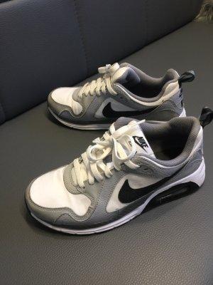 Nike 38,5 grau weiß