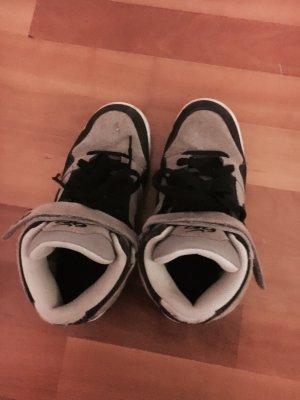 NIKE 6.0 Woman Sneaker