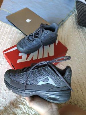 Nike 95 Schuhe in grau
