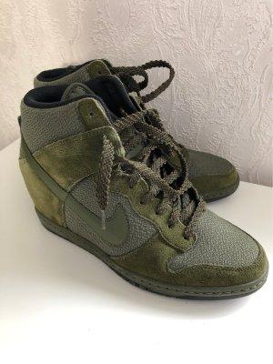 Nike Sneaker slip-on cachi