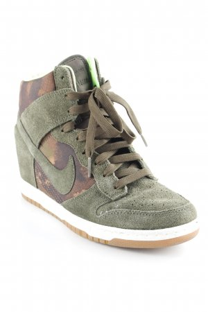 Nike Absatz Sneaker mehrfarbig Street-Fashion-Look