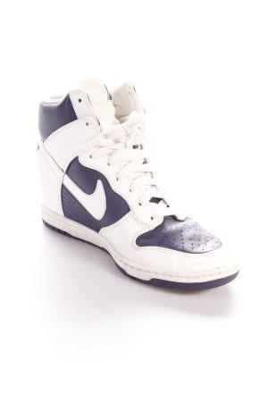 Nike Absatz Sneaker weiß-blauviolett sportlicher Stil