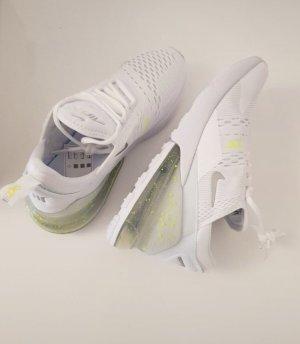 Nike air 270 in weiß leicht gelb