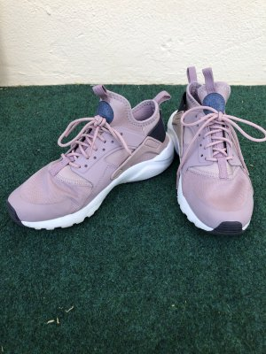 Nike Lace-Up Sneaker mauve