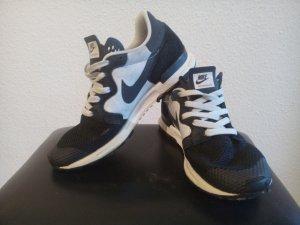 Nike Air Berwuda schwarz/weiß