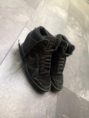 Nike Air Damen Boots Gr 38