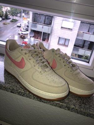Nike Air Force 1 beige/ rosa Gr. 42