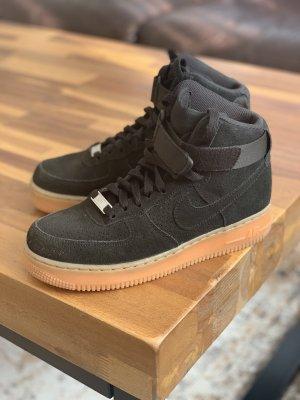 Nike High Top Sneaker black-brown