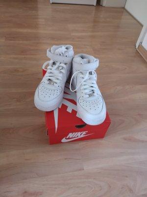 Nike air force 1 gr. 38,5