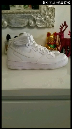 Nike Air Force 1 in Größe 40