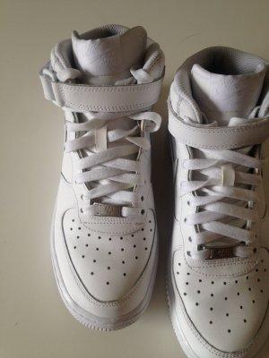 NIKE Air Force 1 One Mid Sneaker weiß