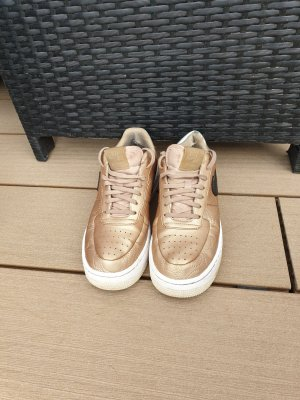 Nike Air Force I, gold