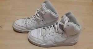 Nike Air Force in weiß