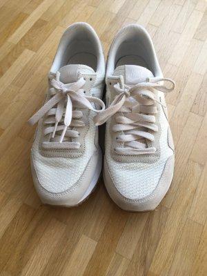 Nike Basket à lacet beige clair-blanc cassé cuir