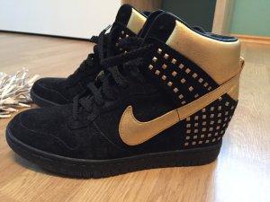 Nike Air High schwarz/gold