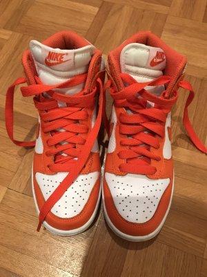 Nike air high Tops in orange