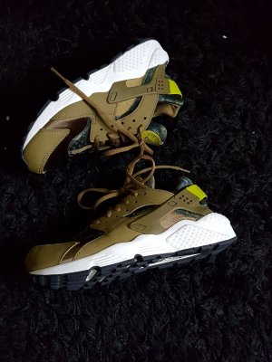 Nike Air Huarache Damen Khaki limited edition