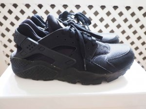 Nike Air Huarache in Black