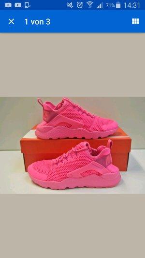 Nike Air Huarache Neu
