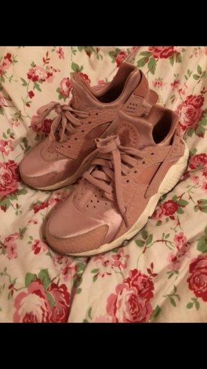 Nike AIR HUARACHE PREMIUM rosa metallic