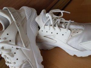 Nike Air Huarache Run Größe 38 (wie 37) in weiss