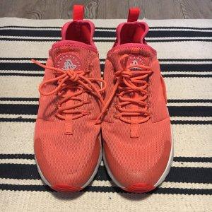 """Nike """" Air Huarache Ultra"""" in pink"""