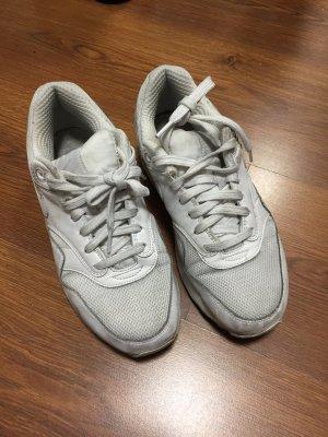 Nike Air in weiß